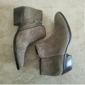 Sam Edelman Petty Moss Brown Suede Booties 7.5